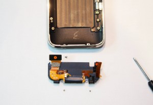iphone-3g-s-dock-removal11