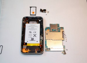 iphone-3g-s-system-board-removed11