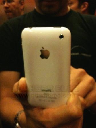 surchauffe-iphone-3gs-brule