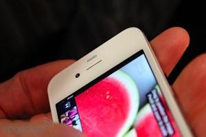 iphone-4-first-hands-2010-06-0712-03-55-rm-eng[1]