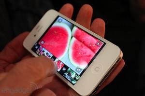 iphone-4-first-hands-2010-06-0712-04-03-rm-eng[1]