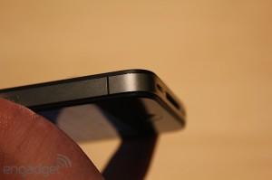 iphone-4-first-hands-2010-06-0712-08-00-rm-eng[1]