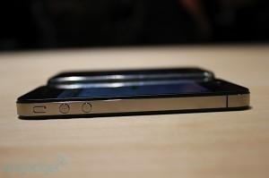 iphone-4-first-hands-2010-06-0712-08-34-rm-eng[1]