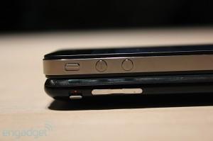 iphone-4-first-hands-2010-06-0712-08-51-rm-eng[1]