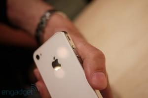 iphone4hands11[1]