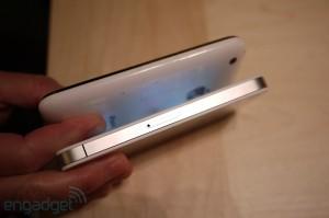 iphone4hands17[1]