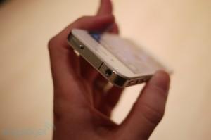 iphone4hands23[1]