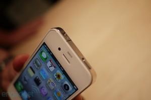 iphone4hands8[1]