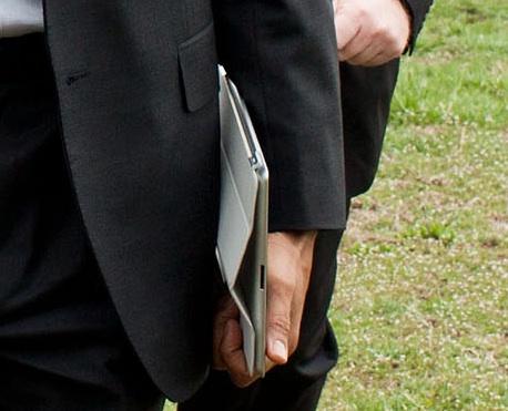 obama-ipad-2-closeup