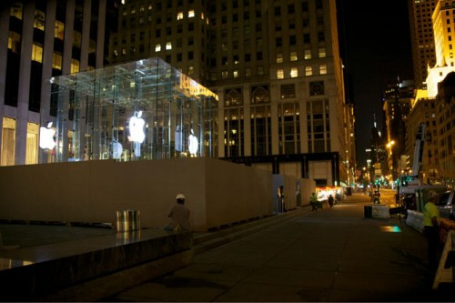 Apple-Store-Fifth-Avenue-glass-cube-rejuvenation