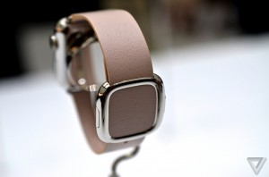 iwatch3005_verge_super_wide