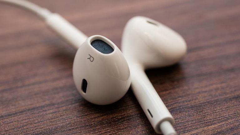 Apple вместе с Beats разрабатывает новые беспроводные наушники EarPods