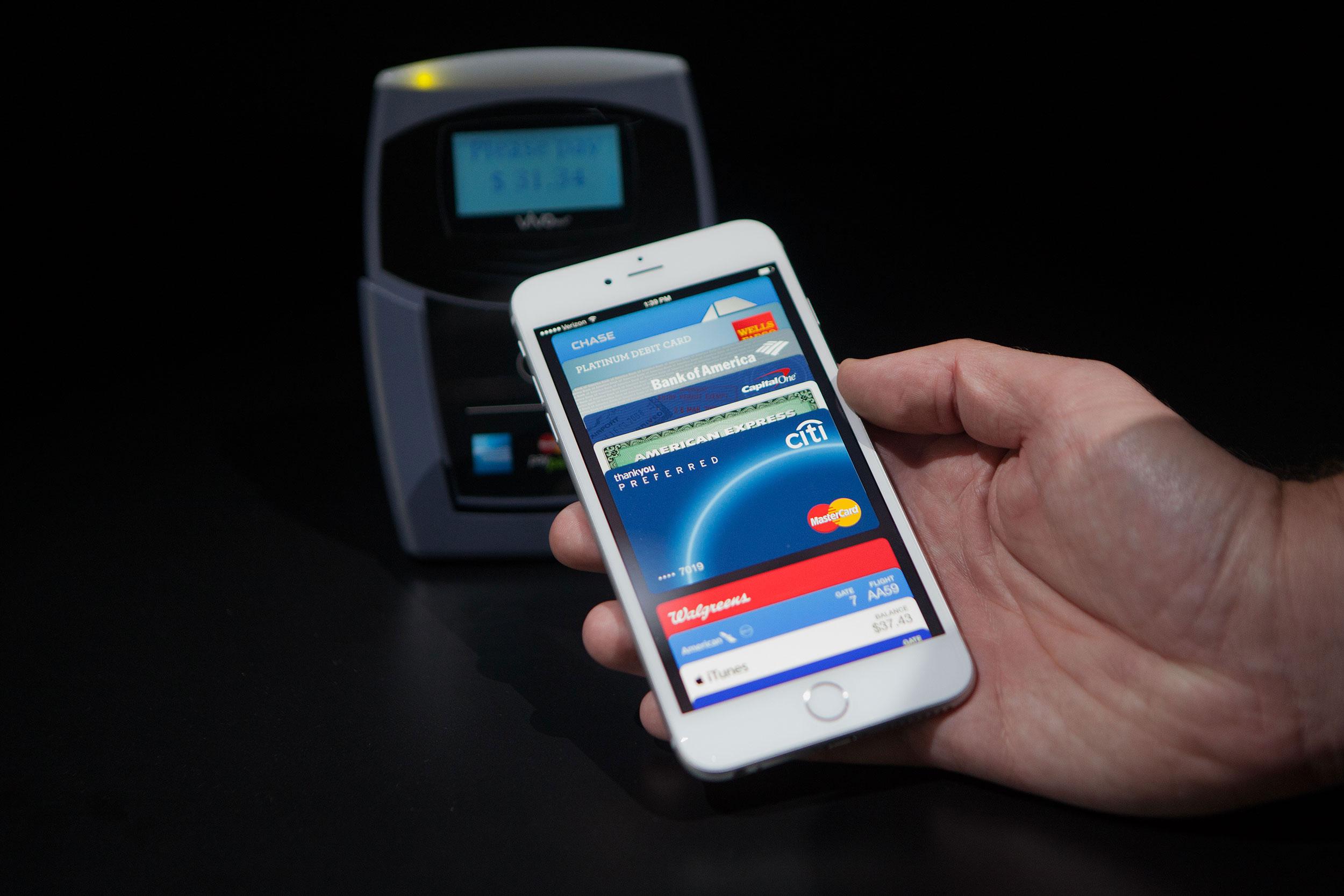 Apple Pay иVisa наладят общую систему платежей в Российской Федерации кдекабрю