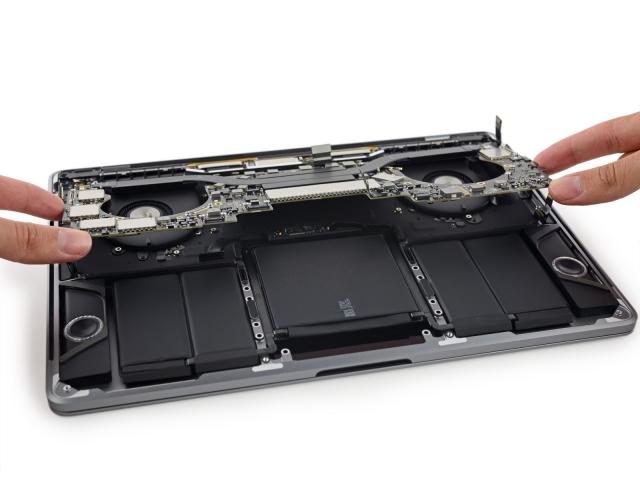 SSD-диск вMacBook Pro (2016) сTouch Bar оказался несъемным