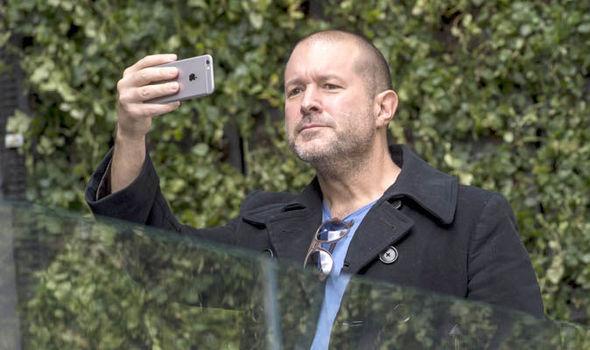 При создании первого iPhone Джобс думал олюдях— Главный дизайнер Apple